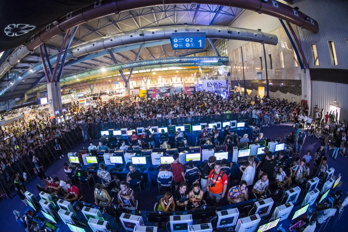 Gamepolis: La feria de videojuegos de Málaga reúne a más de 60.000 visitantes