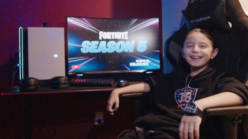 El niño de 8 años se convierte en un jugador profesional de Fortnite con un contrato por valor de $ 33,000