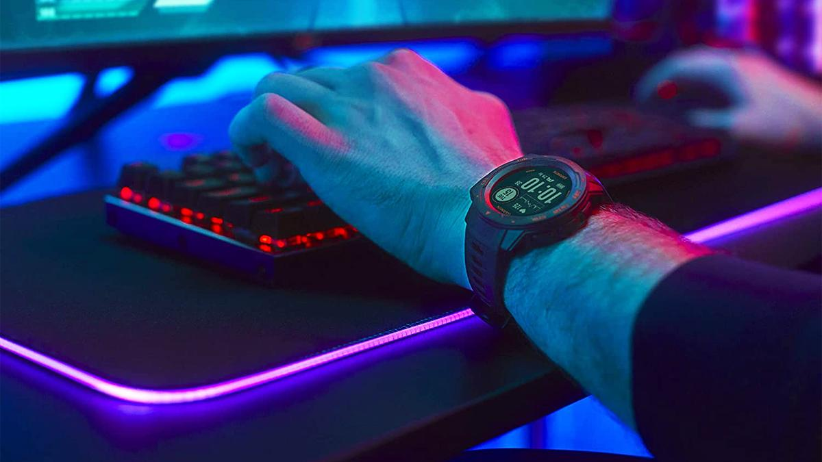 Este reloj inteligente de Garmin fue desarrollado para jugadores y ahora lo está vendiendo Amazon por solo 199 euros