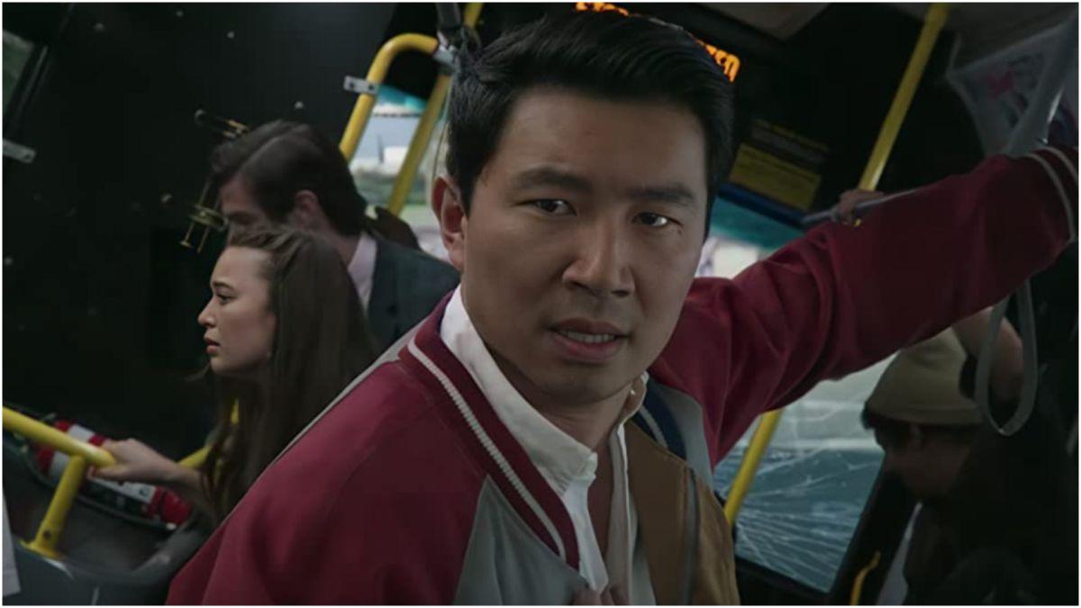 Simu Liu aparentemente está reaccionando al hecho de que el CEO de Disney califica el lanzamiento de Shang-Chi como un «experimento».