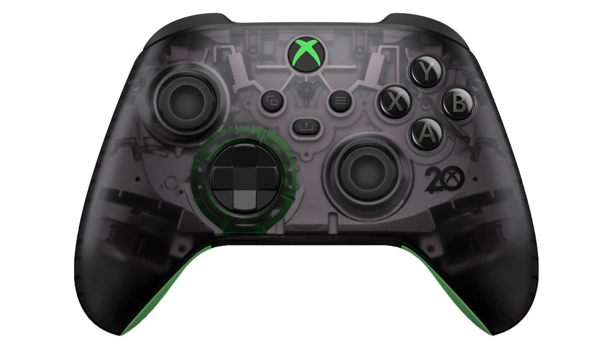 Los accesorios de Xbox 20th Anniversary Edition incluyen un controlador y auriculares de color negro claro